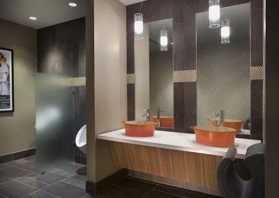 LeCreuset-Royal Mosa bathroom