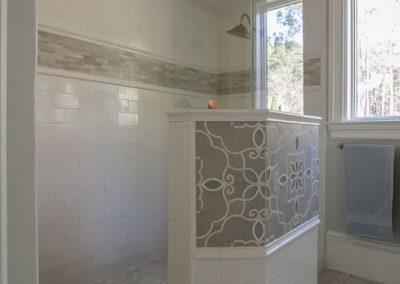 PalmettoTile_LongmarshRd_Bathroom_Spr15-11