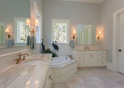 PalmettoTile_LongmarshRd_Bathroom_Spr15-8
